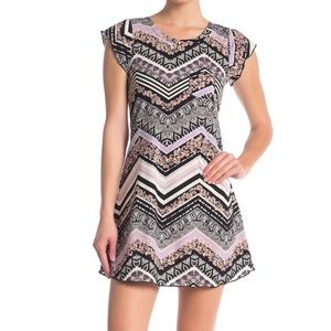 Chevron Patterned Ruffle Cap Sleeve Pocket Dress M